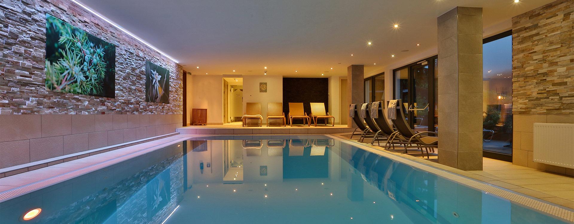 hotel-soelden-hallenbad-slider